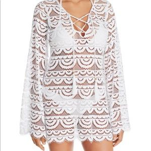 White PilyQ cover up. Barely worn. XS/S